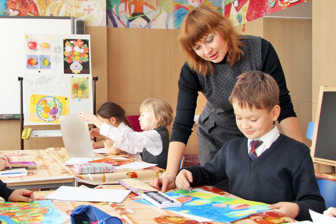 Учитель рисования