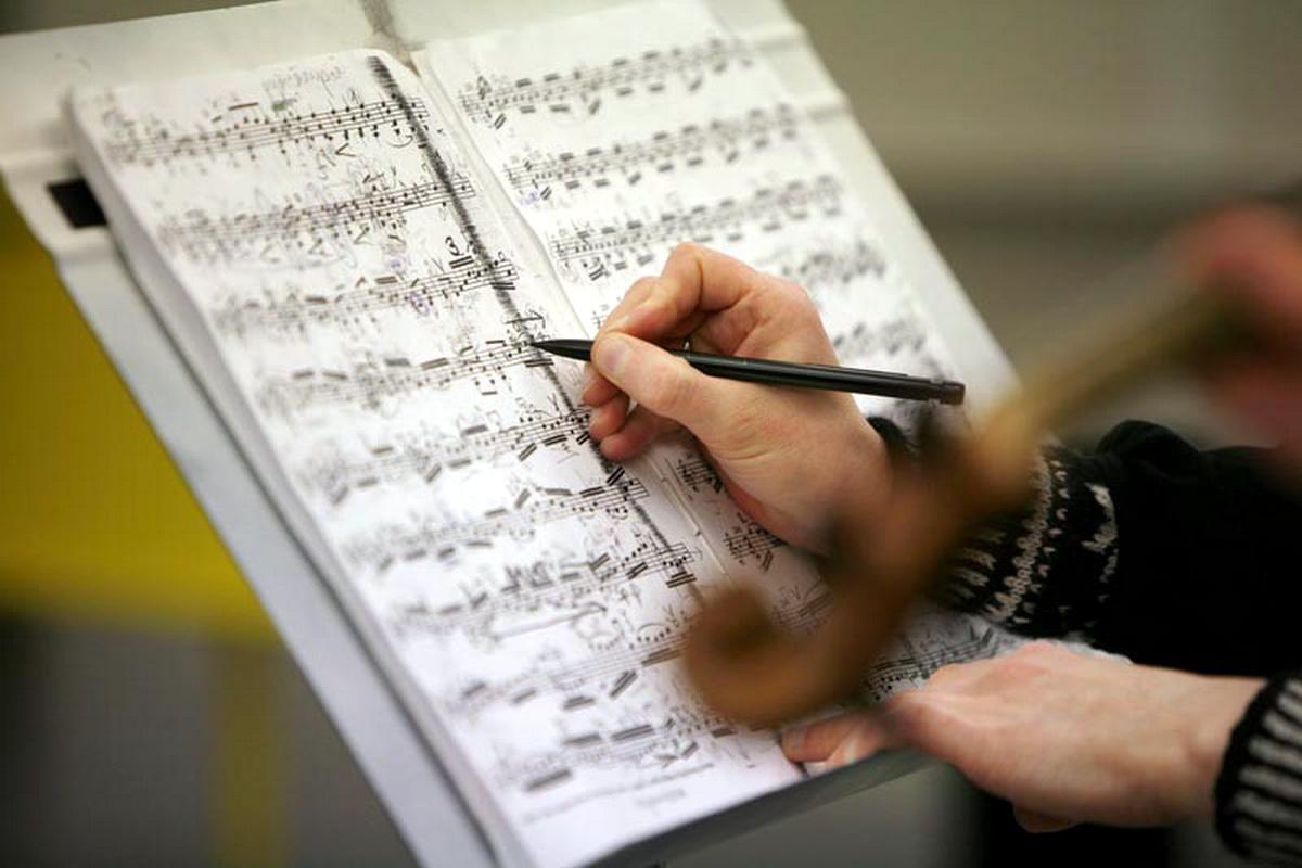 Композиторы, работая над своими произведениями, вдохновляются самыми разными вещами: любовью, природой, войной, счастьем, печалью и многим другим