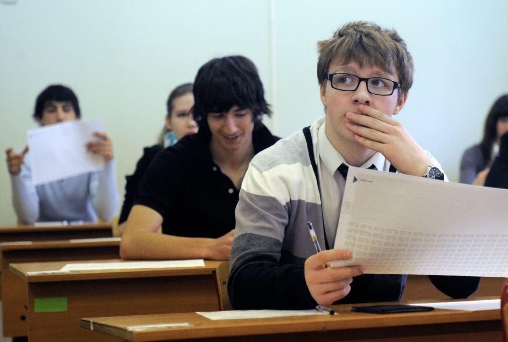 Человек сам выбирает – сдавать ему ЕГЭ или же поступать в ВУЗ по внутренним экзаменам