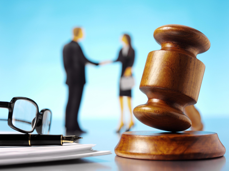 Специалист по реализации антикризисной практики работает в саморегулируемой организации, выполняющей банкротство частных предприятий и юридических лиц