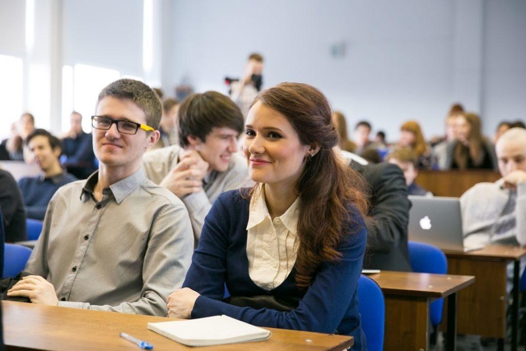 Стоимость получения образования, как правило, зависит от престижности ВУЗа