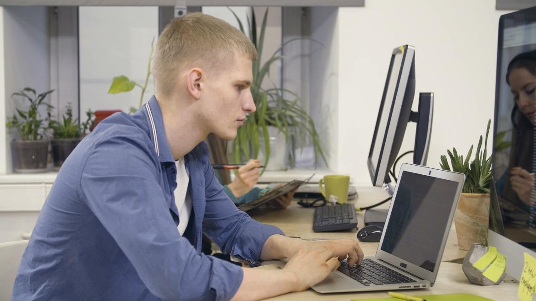 Талантливый техник-программист может найти работу заграницей