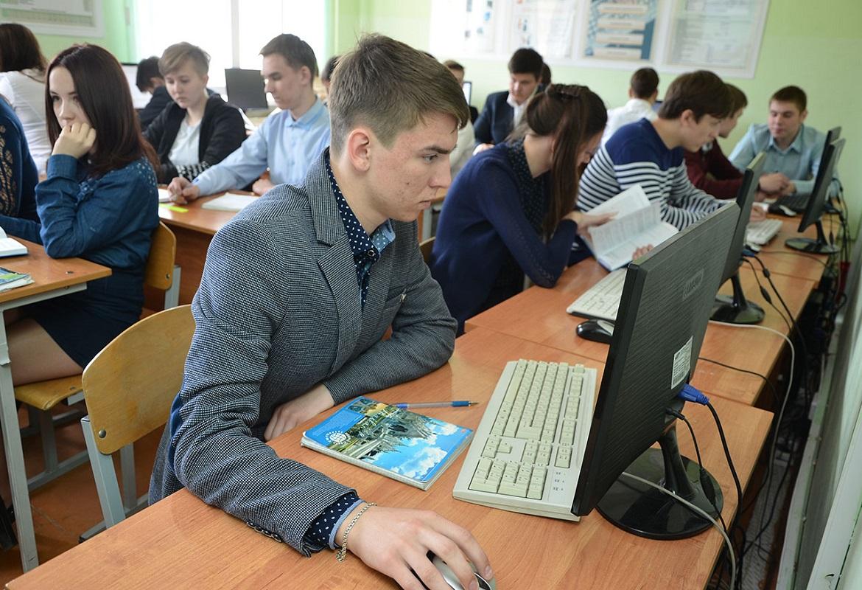 Работать техником программистом можно после окончания колледжа или техникума