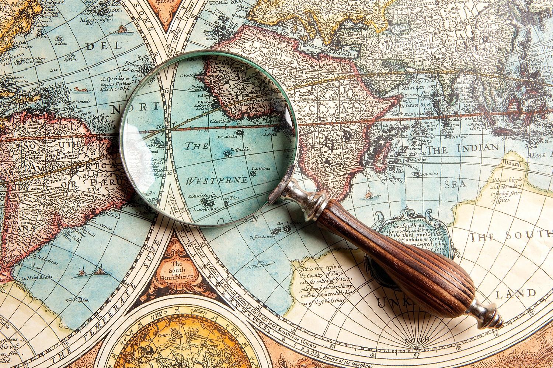 Профессии связанные с географией