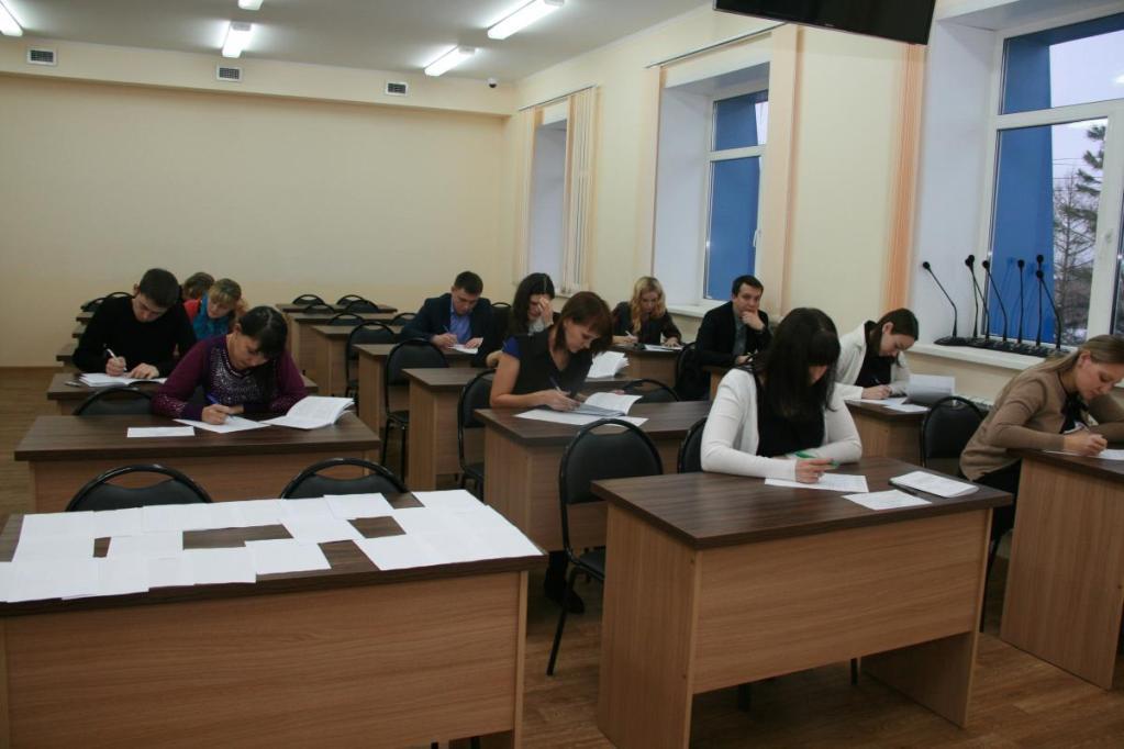 В вузе могут назначать дополнительные экзамены при поступлении